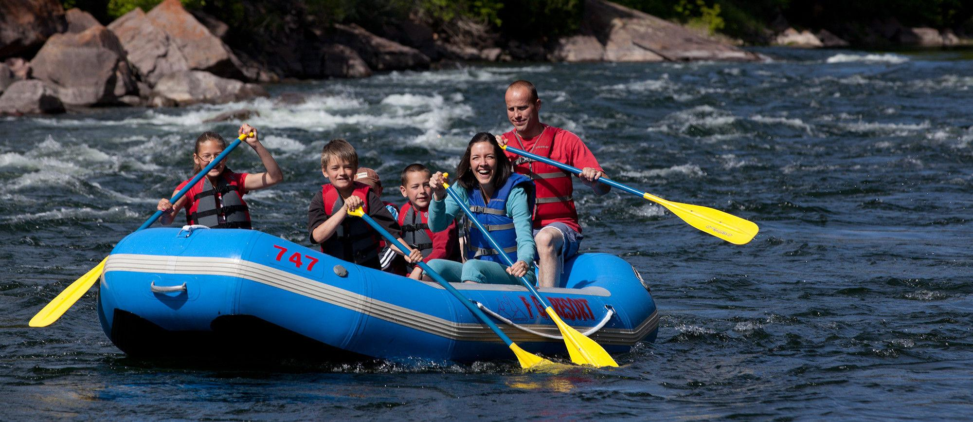 Flaming Gorge Resort - Rafting